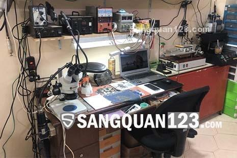Sang cửa hàng điện thoại MT Lê Hồng Phong Quận 10