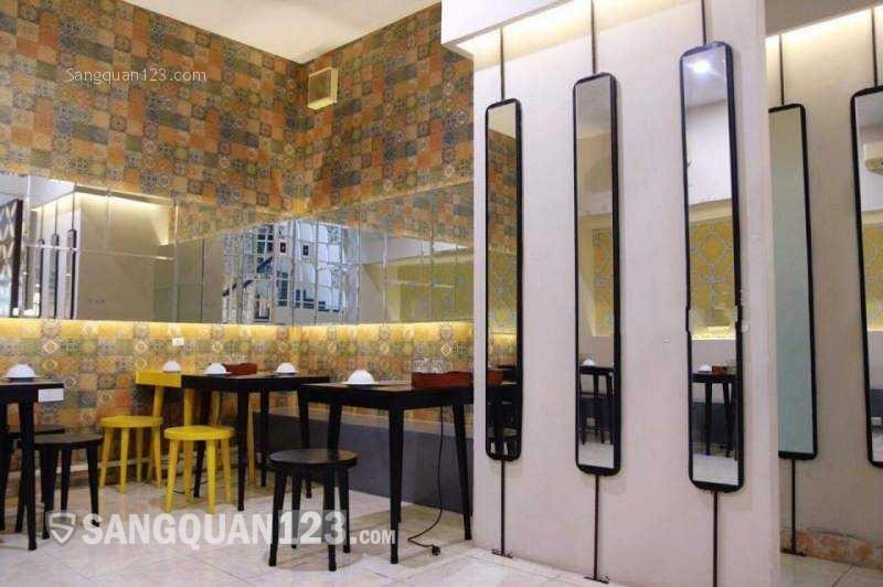 Sang gấp nhà hàng mặt tiền Tôn Thất Tùng, Quận 1