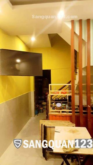 Sang lại quán ăn tại mặt tiền đường Tân Hải, phường 13, Tân Bình