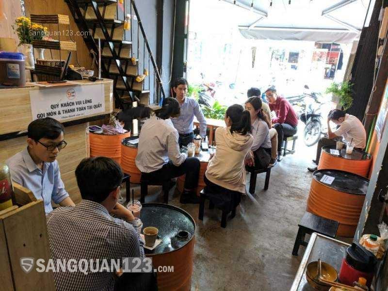 Sang quán cafe mặt tiền đường Đinh Hoàng, Quận 1