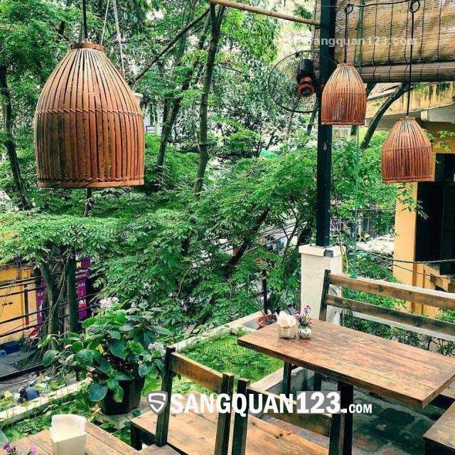Cần sang lại quán chè đông khách nổi tiếng Hà Nội khu phố cổ
