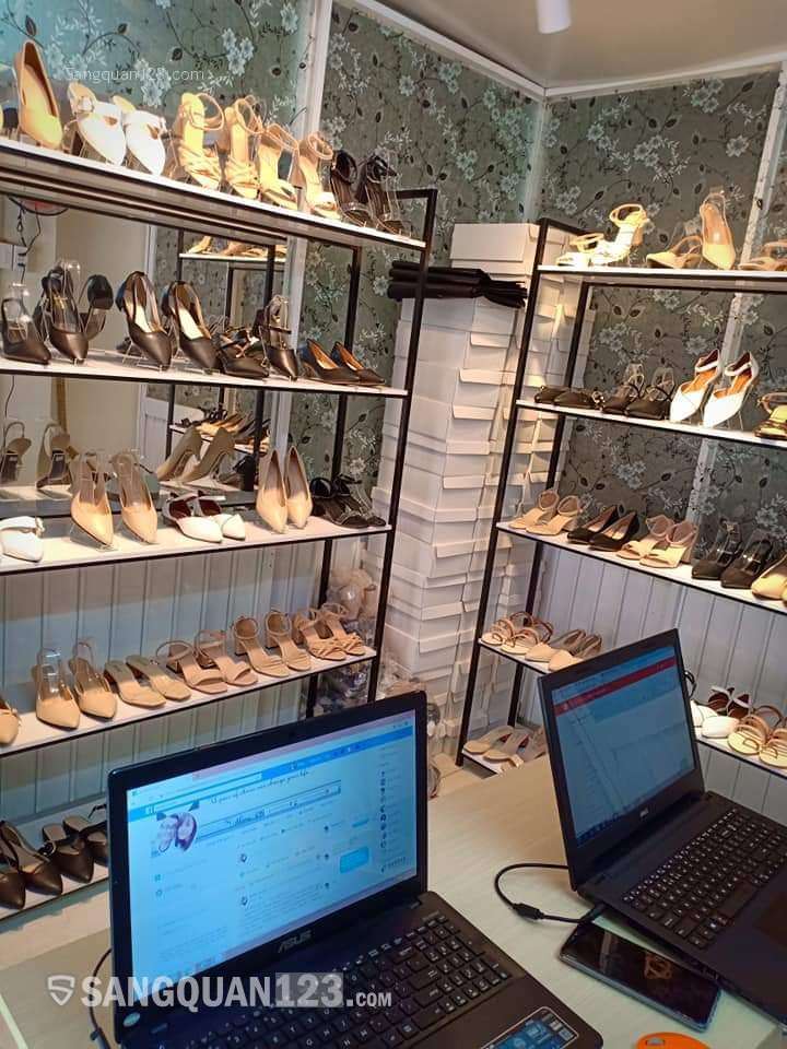 Cần sang Shop giày dép đường Xô Viết Nghệ Tĩnh
