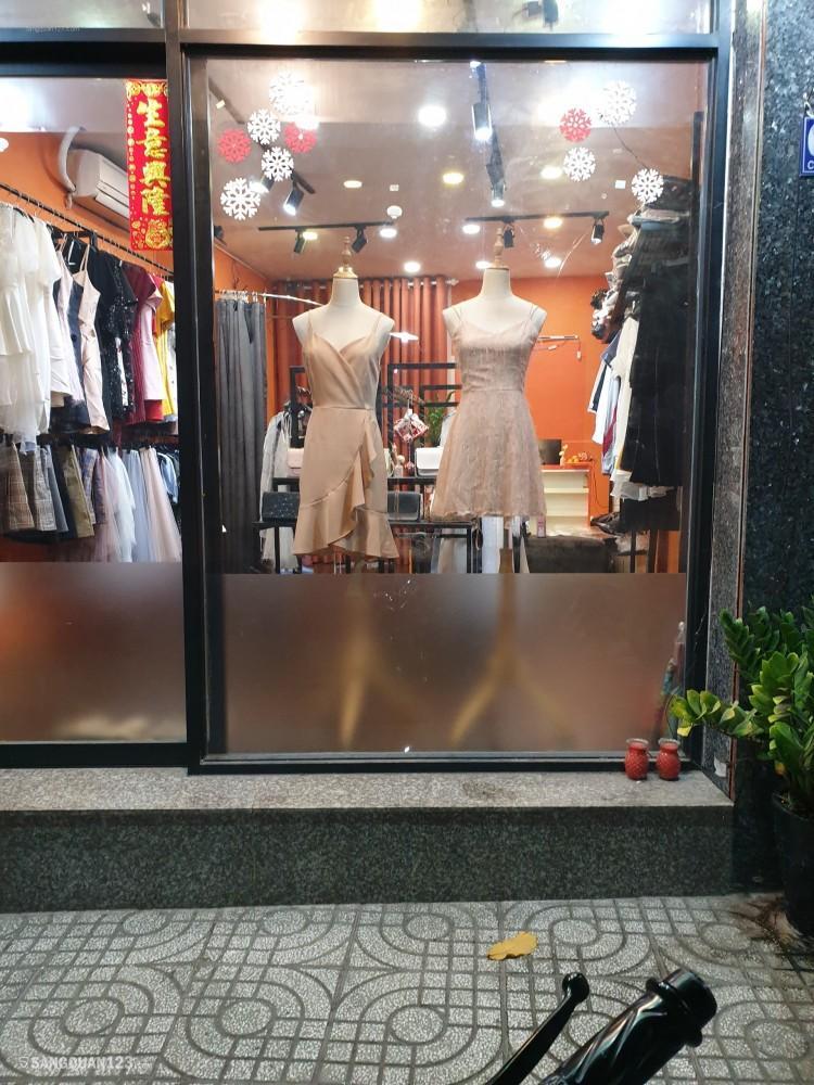 Sang shop thời trang Quận 3 đối diện công viên Lê Thị Riêng