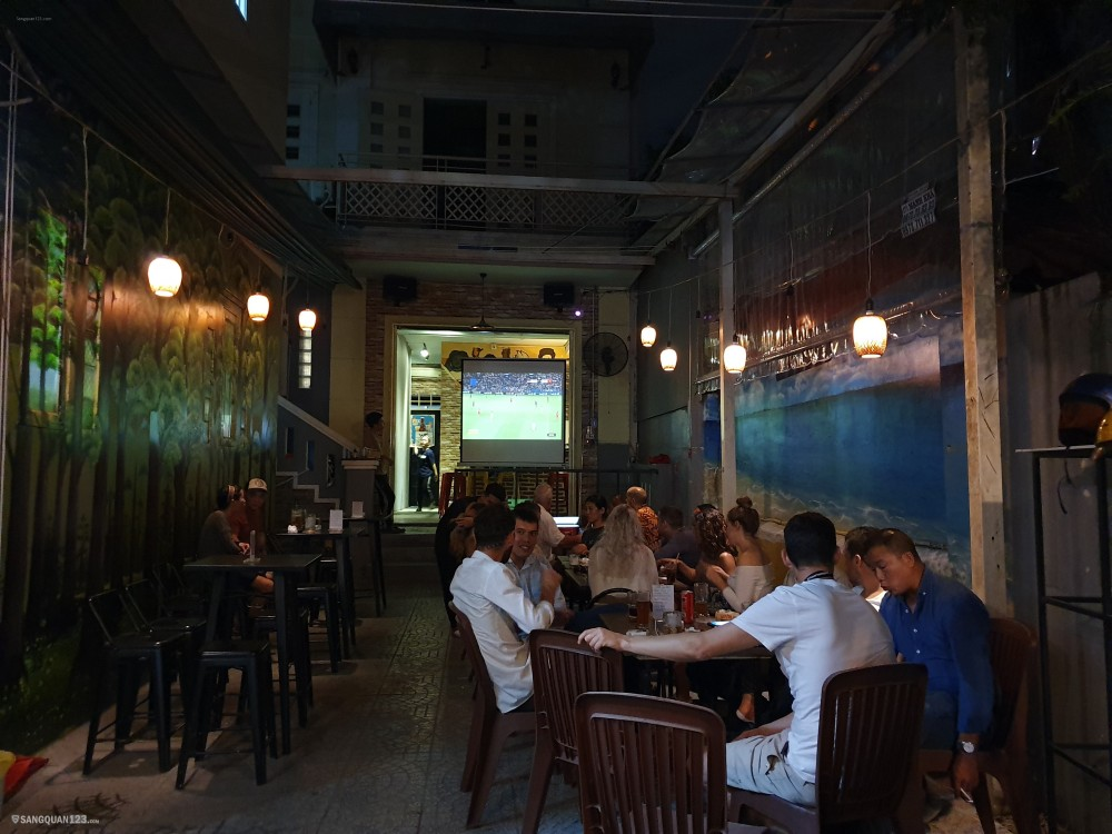 Cần sang quán bar nhà hàng ở Thảo Điền Quận 2