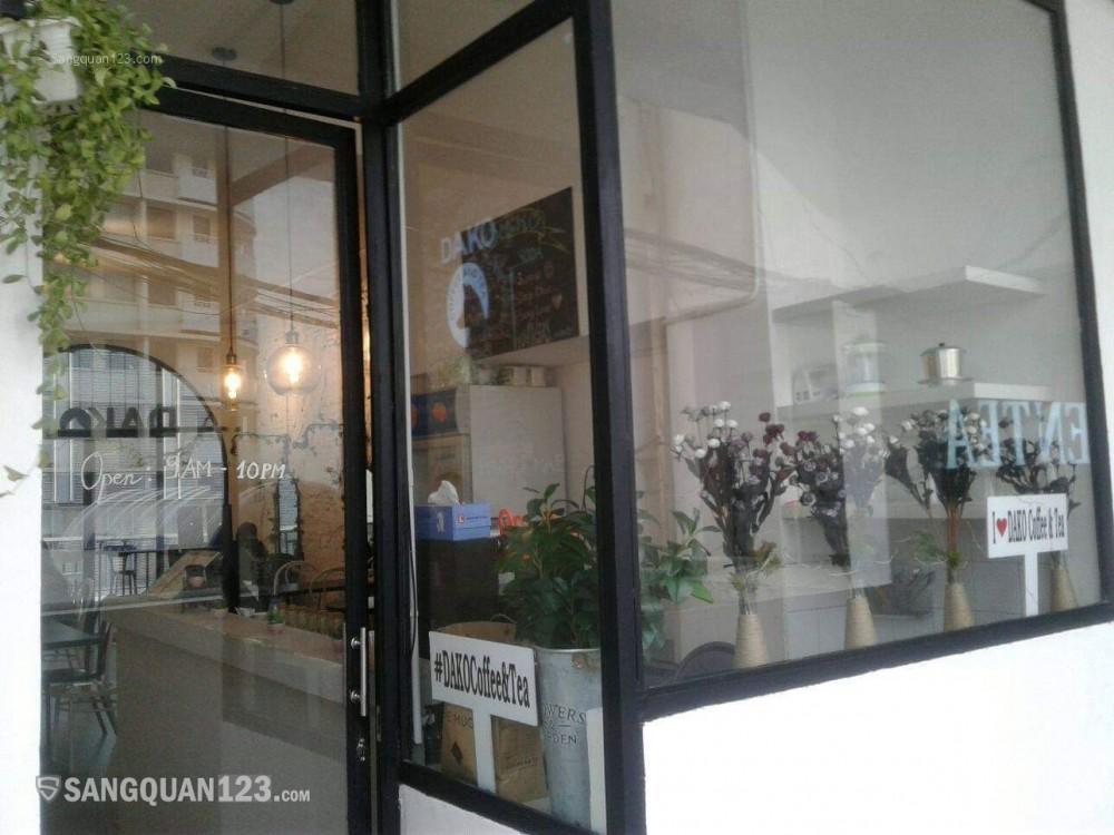 Sang quán cà phê tại lầu 7 - 42 Nguyễn Huệ - quận 1 - HCM
