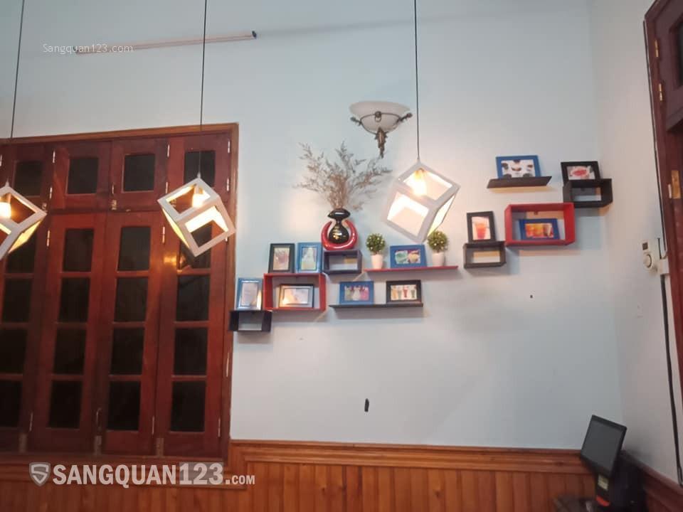 Sang nhượng quán bánh mỳ chảo cafe cạnh trường ĐH Thương Mại LH 0393466398