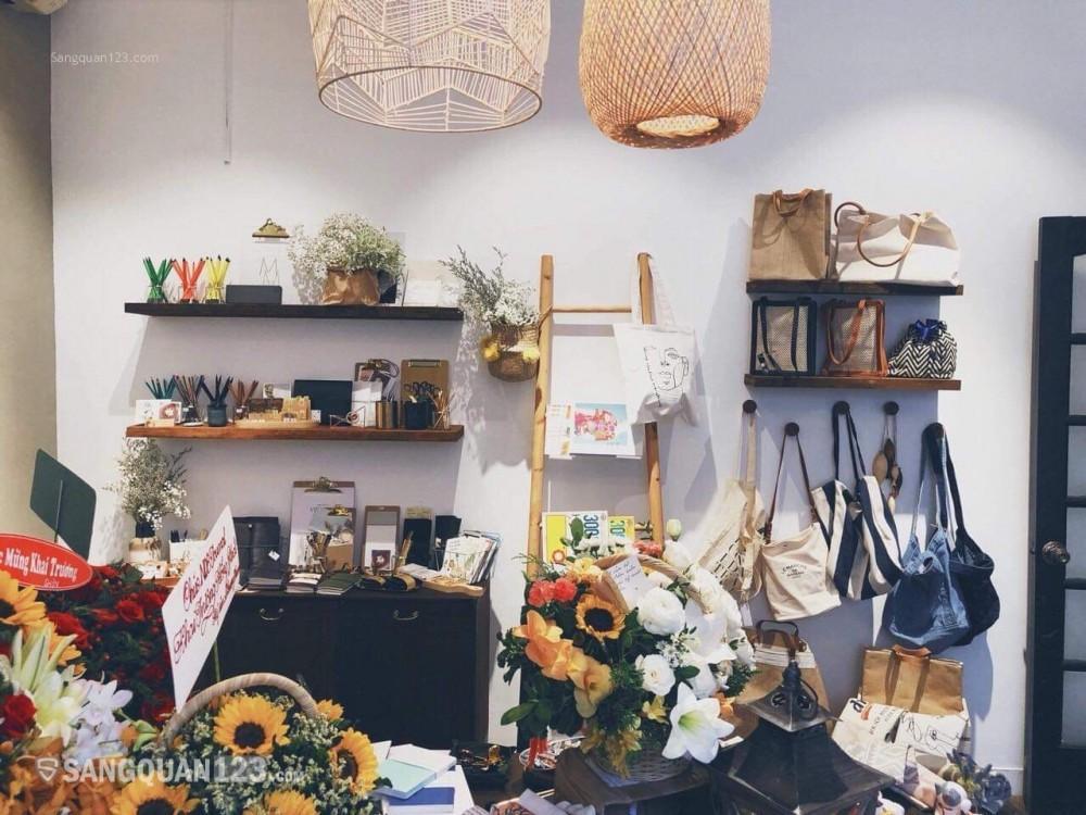 Sang shop thời trang bán phụ kiện Trung tâm Quận 1