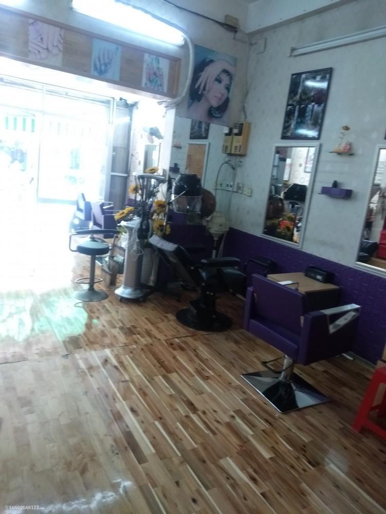 Cần sang tiệm tóc ở khu vực đông dân cư., lượng khách hàng ổn định
