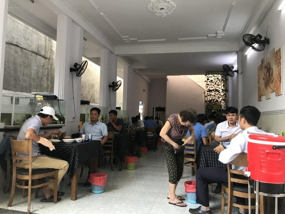 Sang Quán Cơm Tân Bình khu văn phòng Etown Tân Bình