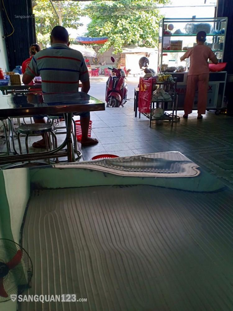 Sang quán ăn tại Hòa Khánh, lượng khách hàng ổn định