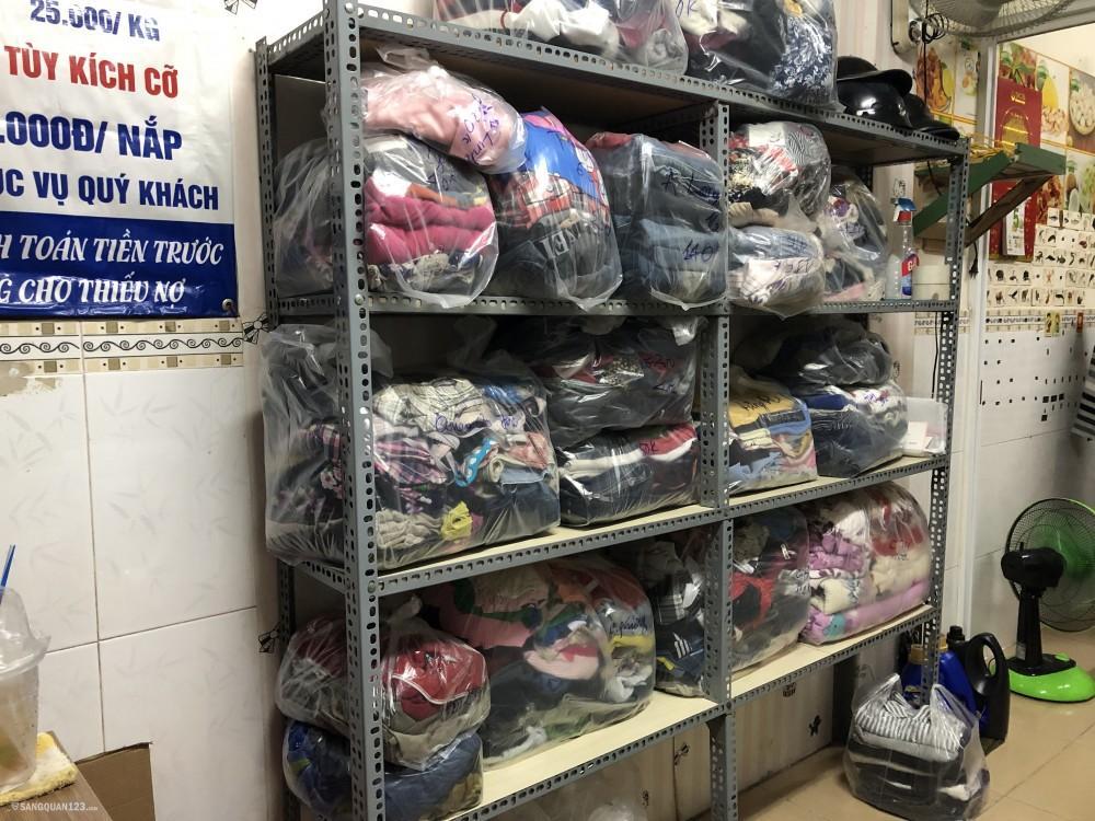 Sang tiệm giặt ủi ngay chợ Đoàn Văn Bơ, p13, Q4