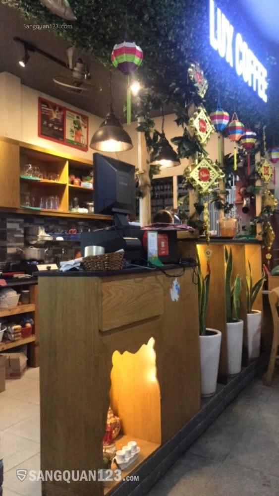 Sáng quán cafe văn phòng 82 Mạc Đĩnh Chi, Quận 1