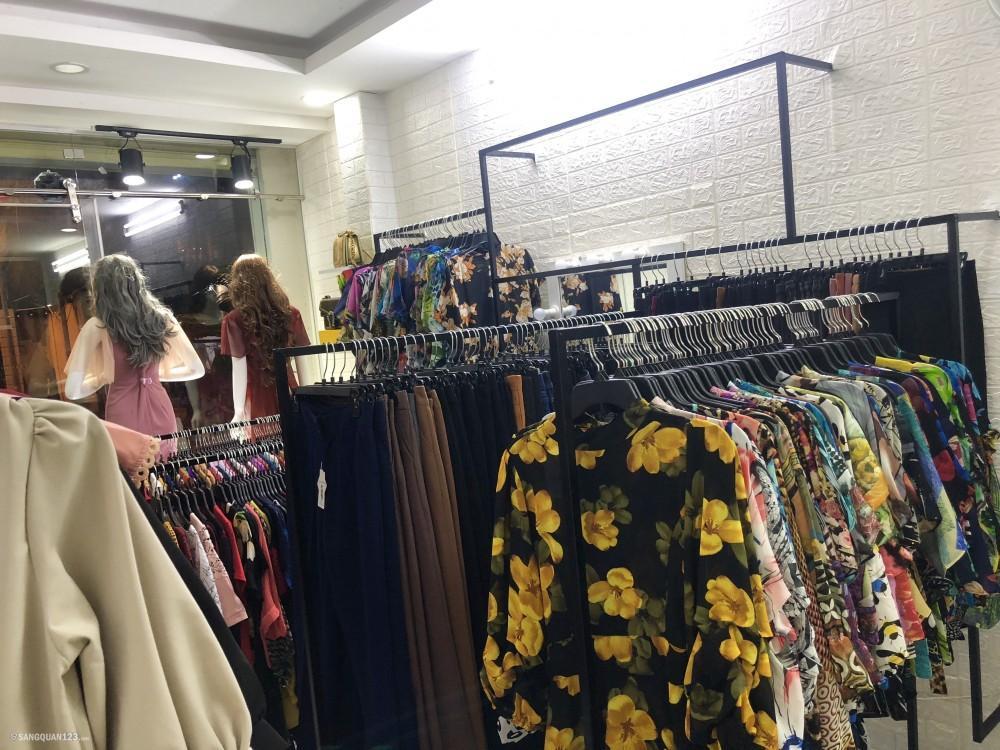 Sang shop thời trang nữ quận Tân Phú có chỗ ở lại cho gia đình
