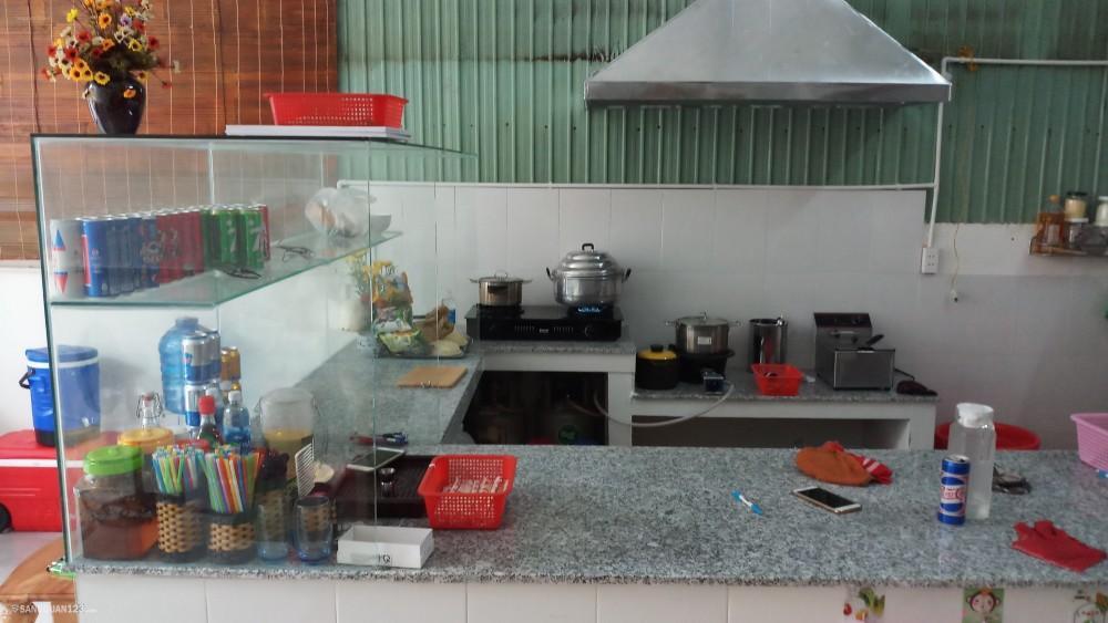 Sang quán Bún Đậu Mắm Tôm. Số 15, đường Nguyễn Thị Đặng (HT27), phường Hiệp Thành.