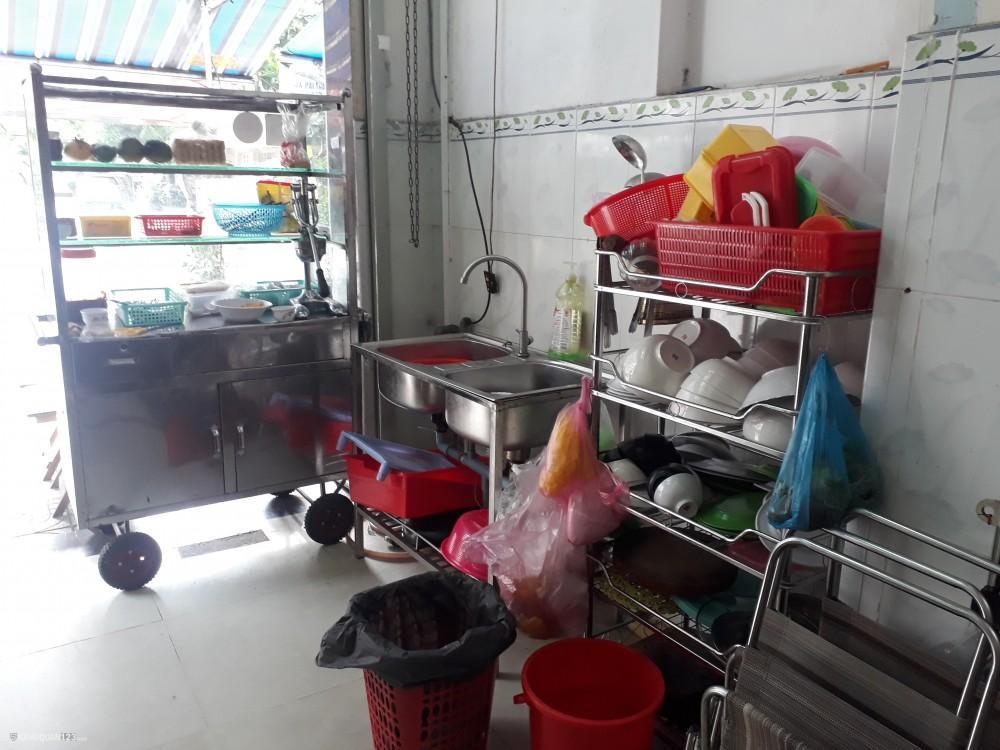 Sang quán ăn với đầy đủ dụng cụ thuận tiện cho gia đình cần buôn bán