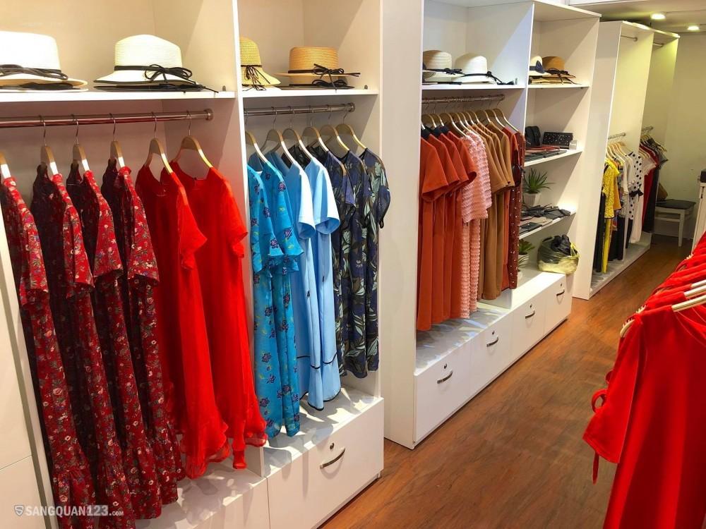 Sang nhượng Shop thời trang tại Trần Hưng Đạo, Quận 5 đang kinh doanh bình thường
