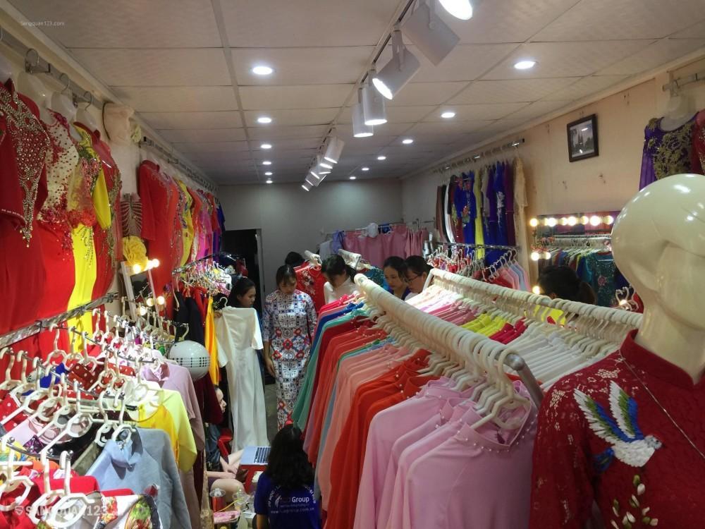 Sang nhượng cửa hàng áo dài mặt phố Mai Dịch