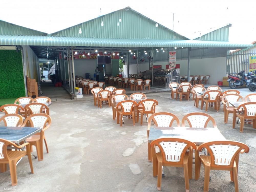 Sang mặt bằng kinh doanh nhà hàng quán ăn diện tích 400 mét vuông