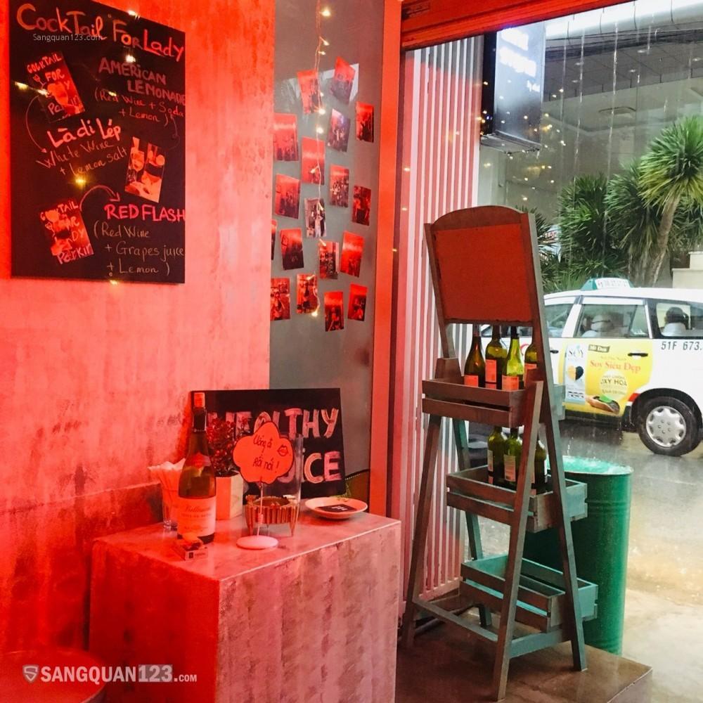 Sang nhượng quán rượu chill chill nho nhỏ tại Thảo Điền Quận 2