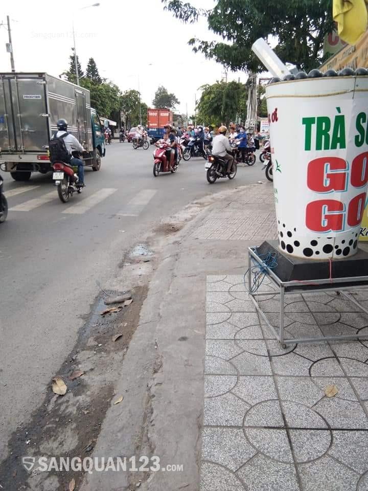 Sang quán trà sữa trước cổng trường cấp 2 bình hòa -thuận an