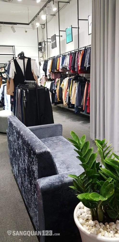 Sang shop quần áo tại tầng 1 đường CMT8 mặt tiền quận 10