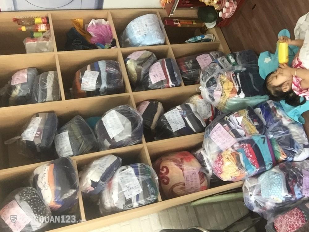 Sang tiệm giặt sấy mặt tiền đường Thống Nhất