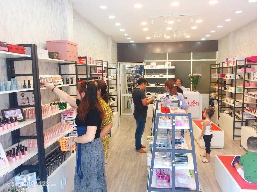 Sang shop phụ kiện nail mặt tiền Lũy Bán Bích