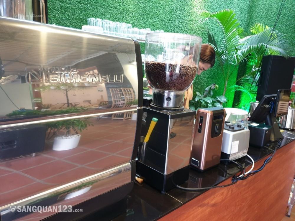 Quán coffee đã set up đầy đủ, hoạt động trơn tru