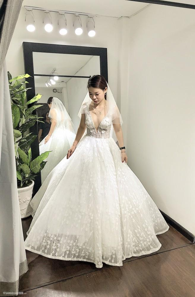 Sang nhượng mặt bằng studio áo cưới mặt tiền Hồ Văn Huê