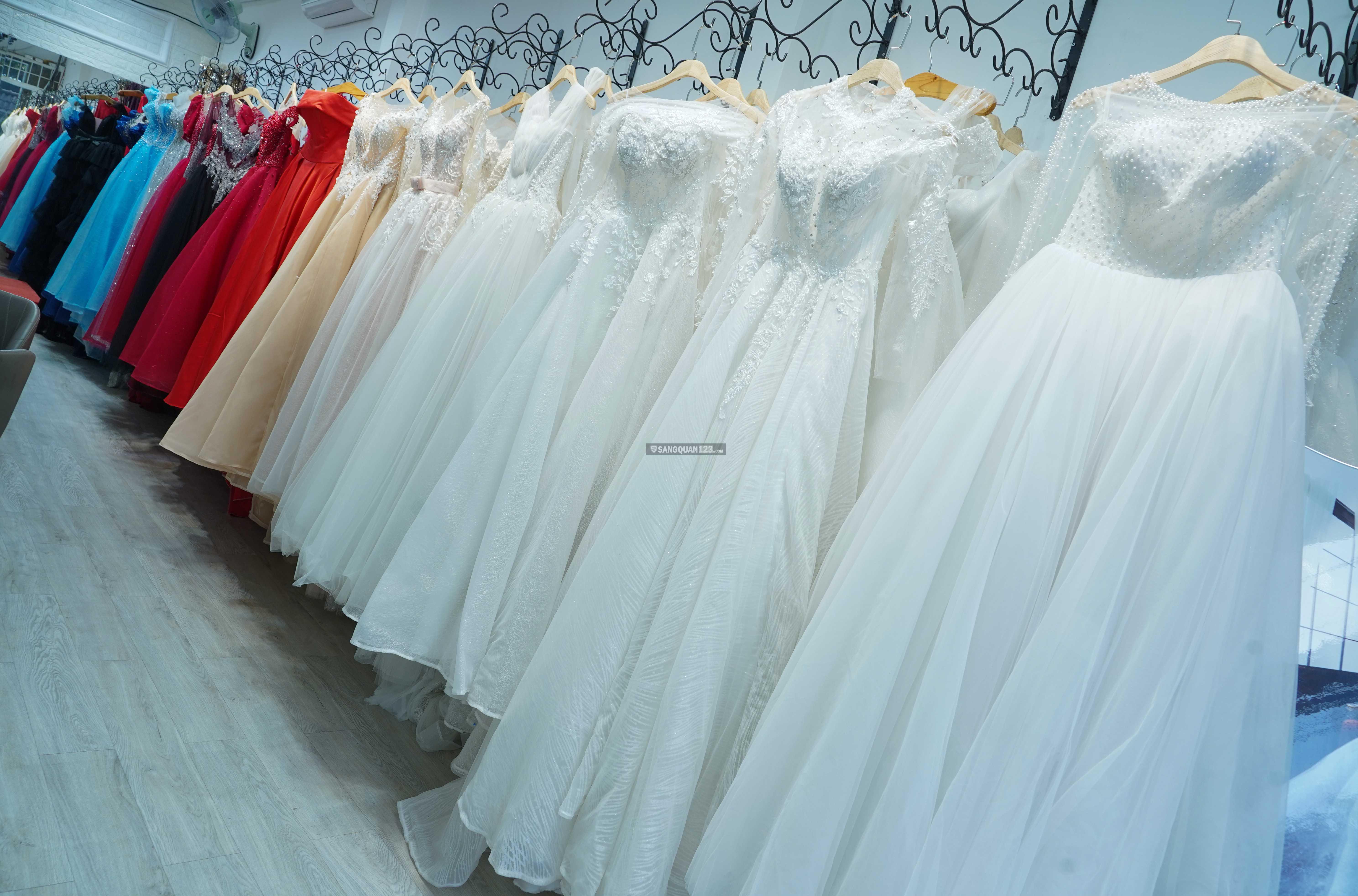 Cần sang tiệm áo cưới giá rẻ quận Tân Phú