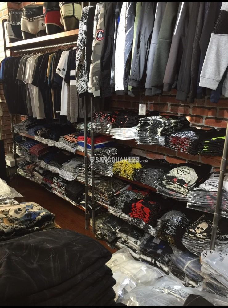 Sang nhượng cửa hàng quần áo 391 mặt bằng đường Nguyễn Trãi, P7, Q5