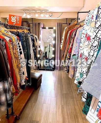 Sang gấp shop thời trang nội thất cao cấp tại Quận 10