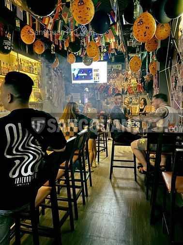 Sang quán bar 128 Calmette Phường Nguyễn Thái Bình Quận 1
