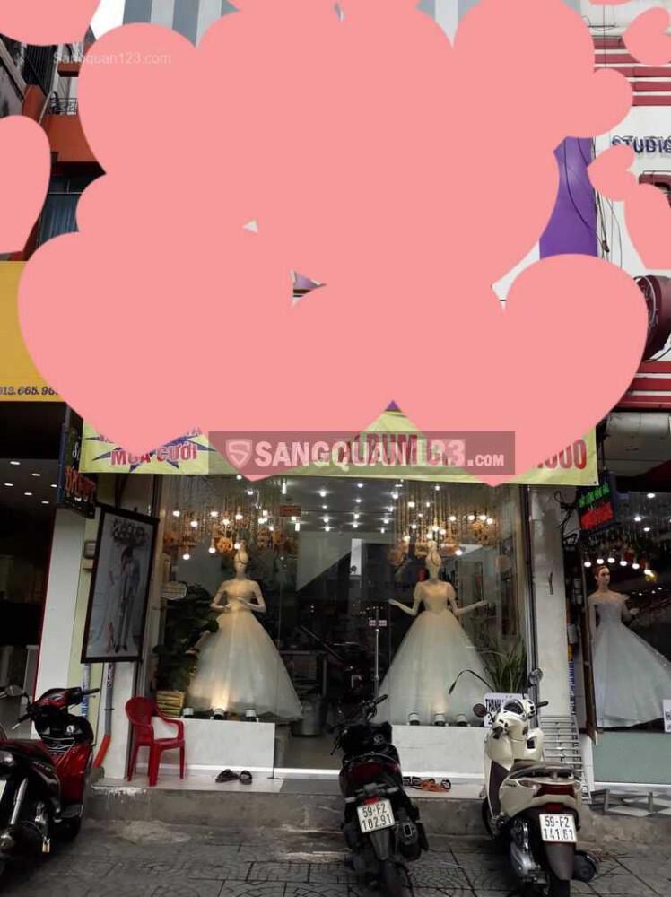Sang mặt bằng kinh doanh áo cưới mặt tiền đường Ba Tháng Hai