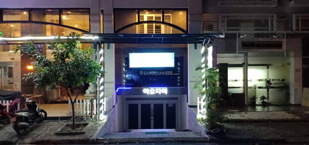 Sang lại tầng hầm quán karaoke gồm 6phòng